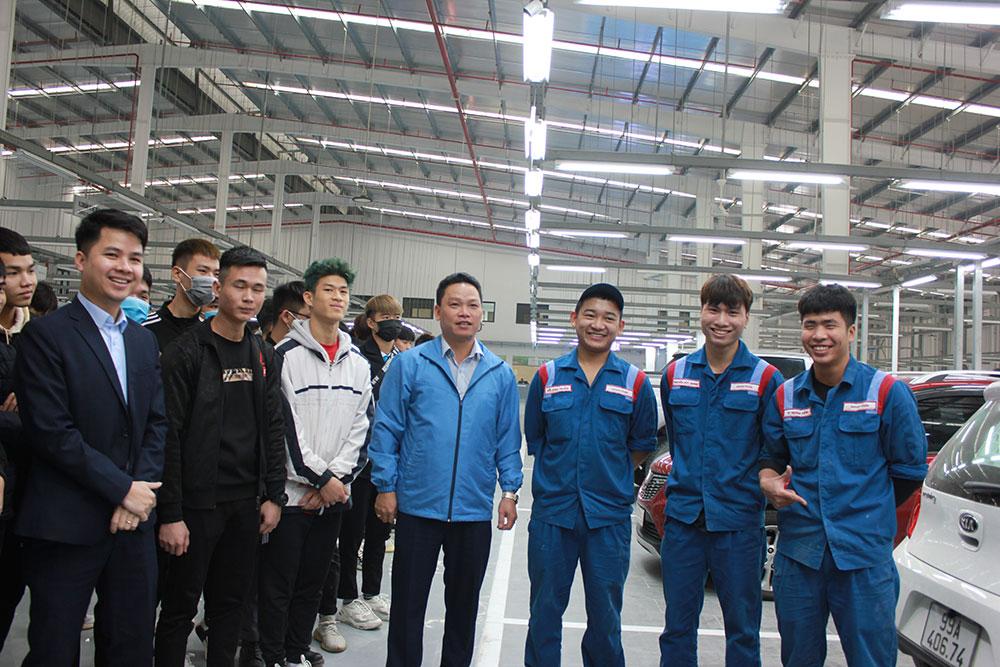 Sinh-viên-thăm-quan-trải-nghiệm-thực-tế-tại-Toyota-Từ-Sơn---Bắc-Ninh.jpg